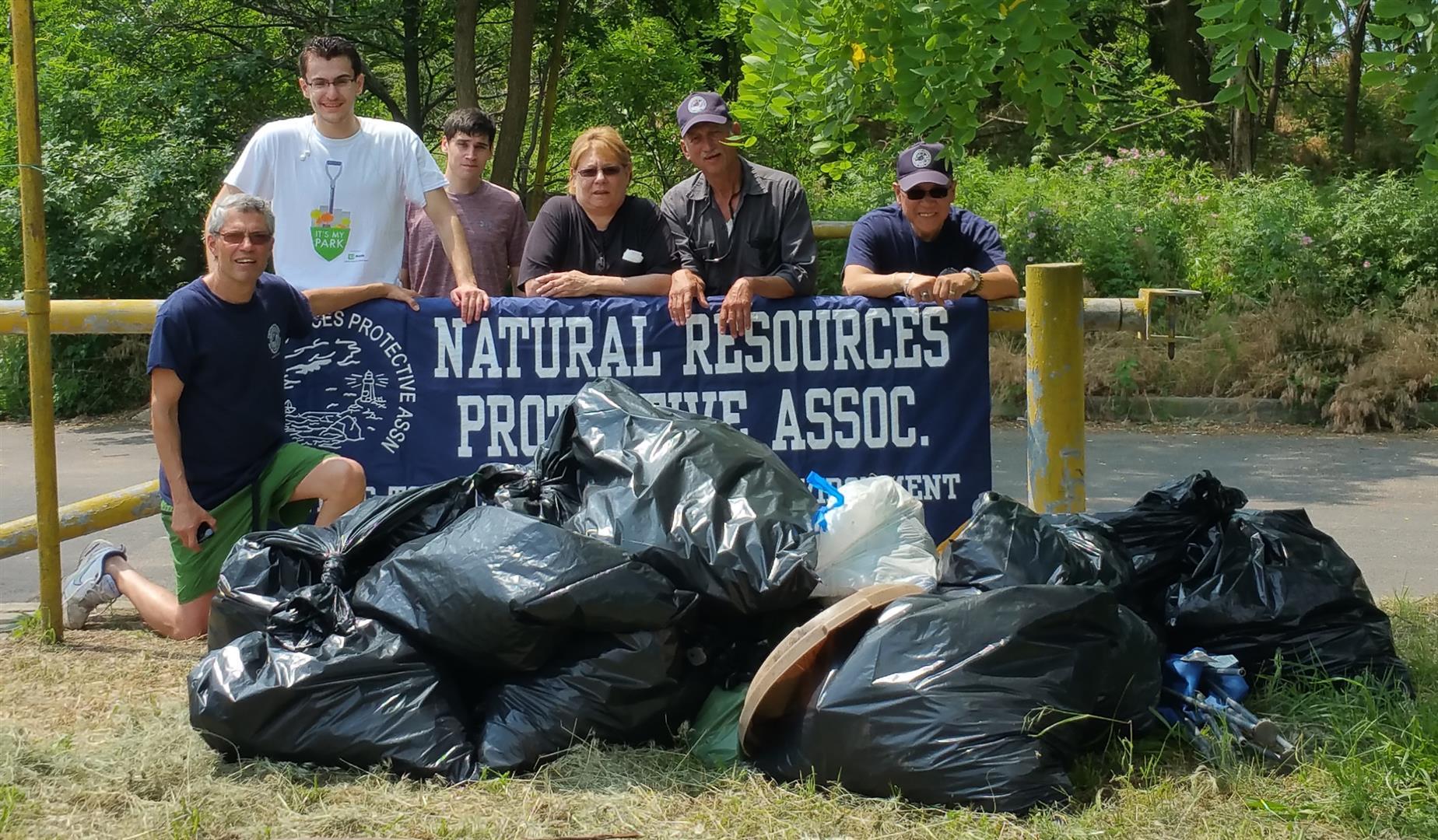 NRPA beach cleanup 160611 01